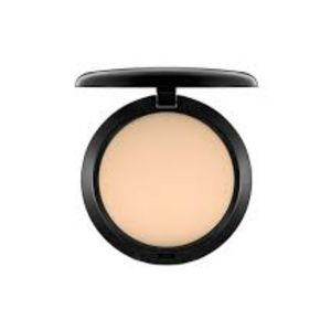 Mac studio fix foundation powder NW22